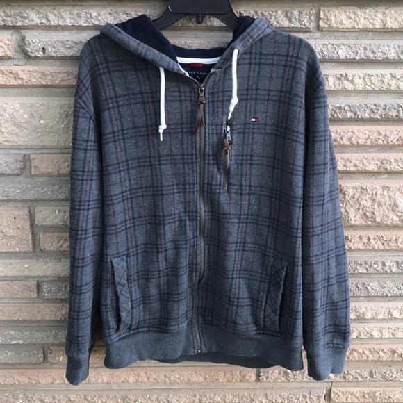 68d3ffe0f8947 Tommy Hilfiger zip up hoodie men's Sz L. M_5b49561a7386bc4a00525c00